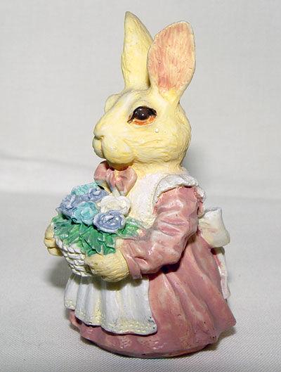 Image de Mom rabbid with flowers