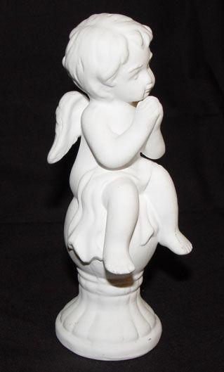 Image de White praying angel